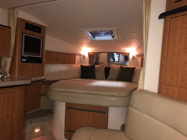 2006 Sea Ray 320 Sundancer  for sale at WWW Boat Services Inc.