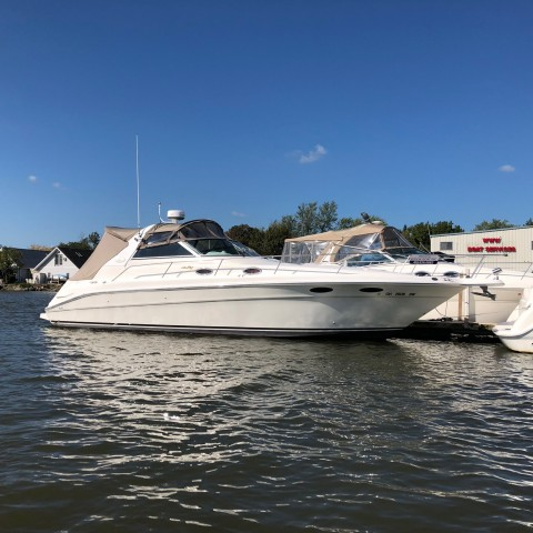 1997 Sea Ray 330 Sundancer  for sale at WWW Boat Services Inc.