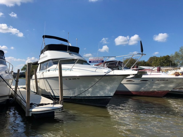 1993 Silverton 31 Convertible  for sale at WWW Boat Services