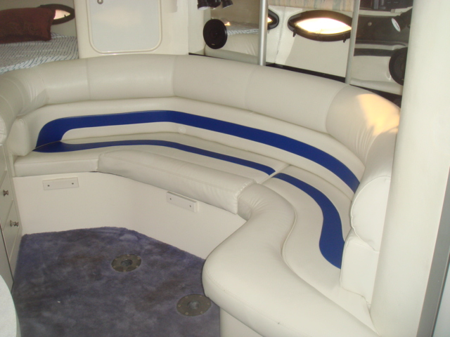 1993 Baja 290 Motoryacht  for sale at WWW Boat Services Inc.