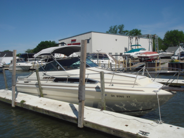 1983 Sea Ray 260 Sundancer for sale at WWW Boat Services Inc