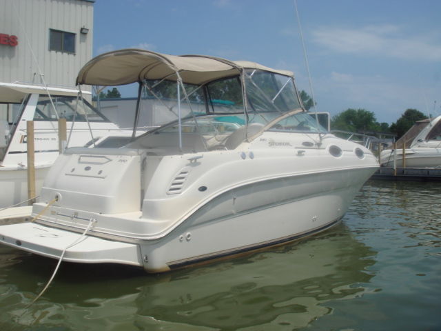 2001 Sea Ray 240 Sundancer  for sale at WWW Boat Services Inc.