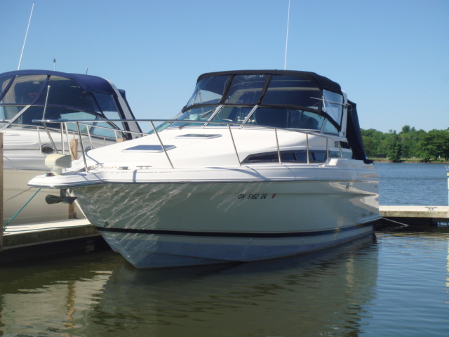 1995 Wellcraft 3200 Martinique  for sale at WWW Boat Services Inc.
