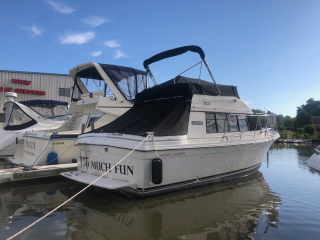 1985 Carver 28 Voyager  for sale at WWW Boat Services