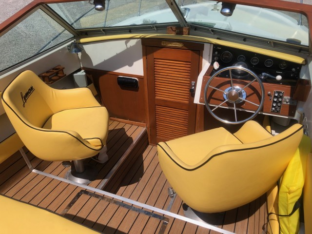 1980 Lyman 24' Biscayne  for sale at WWW Boat Services Inc.