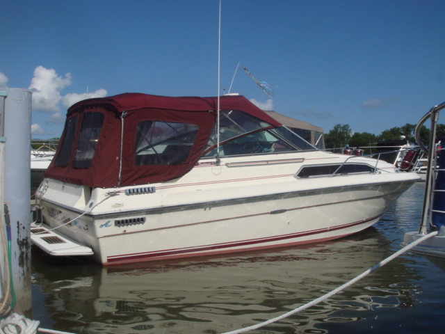 1985 Sea Ray 270 Sundancer  for sale at WWW Boat Services