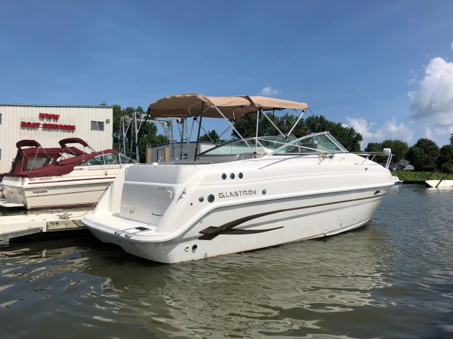2004 Glastron 279   for sale at WWW Boat Services