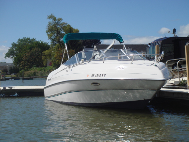 1997 Four Winns 245 Sundowner  for sale at WWW Boat Services Inc.
