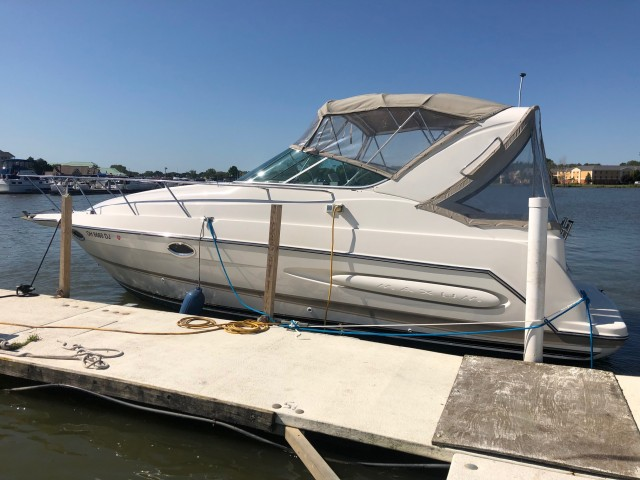 2001 Maxum 2900 SCR  for sale at WWW Boat Services Inc.