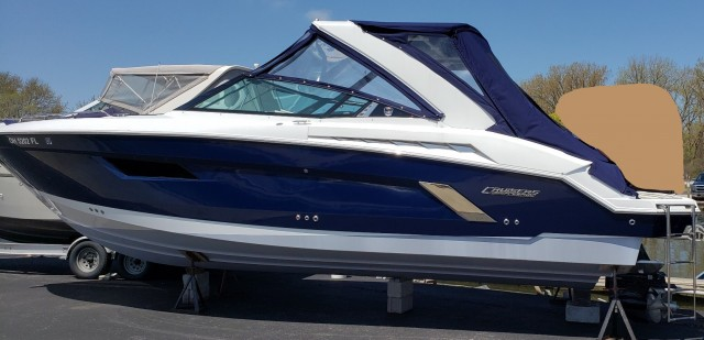 2015 Cruiser Yacht 328  for sale at WWW Boat Services Inc.