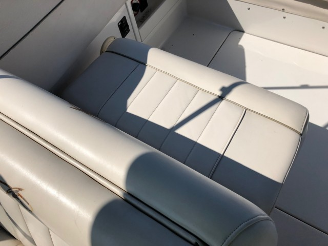 2001 Monterey 262 Cruiser  for sale at WWW Boat Services Inc.
